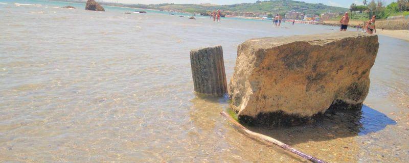 Dal fondale Adriatico riemergono tracce dell'antico porto di Histonium