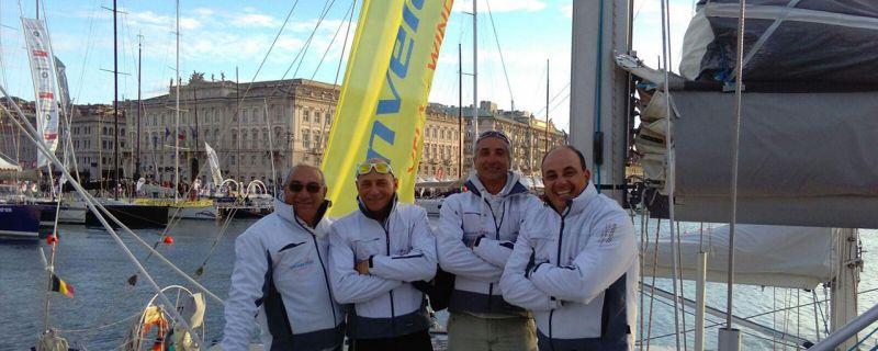 L'equipaggio di Invelaconoi alla 49ª Barcolana di Trieste
